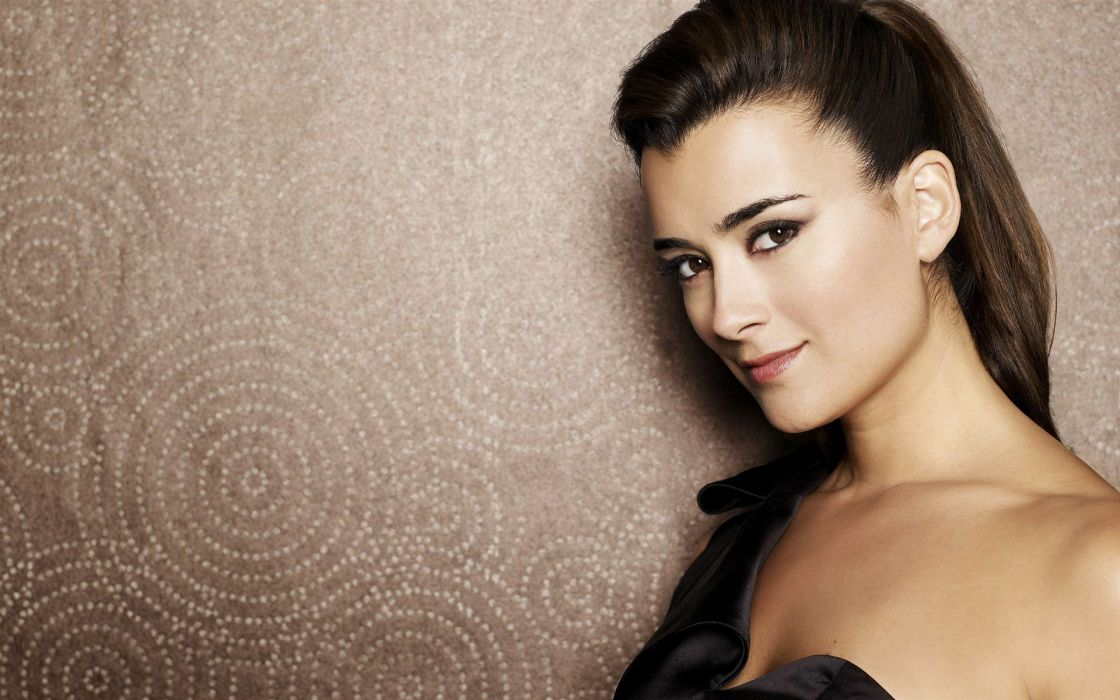 Women cote de pablo wallpaper