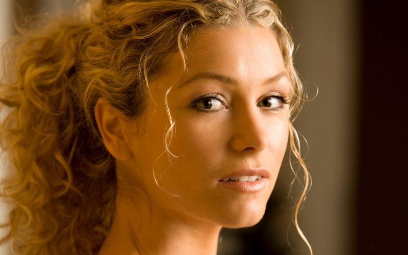 Up eyes heather vandeven curly hair faces wallpaper