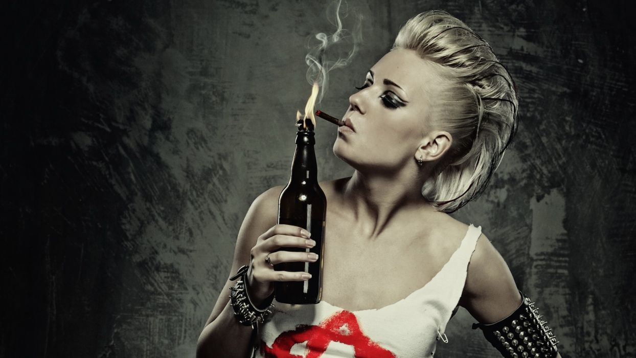 blondes_women_smoke wallpaper