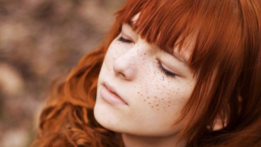 redhair_girl_freckles wallpaper