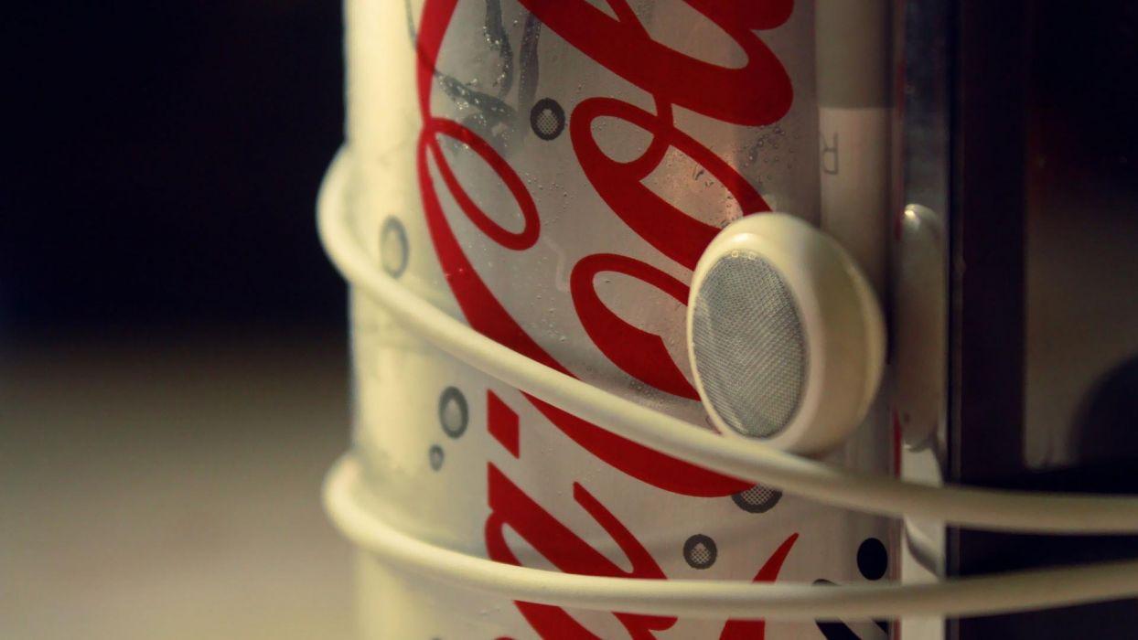 cola-music-headset wallpaper