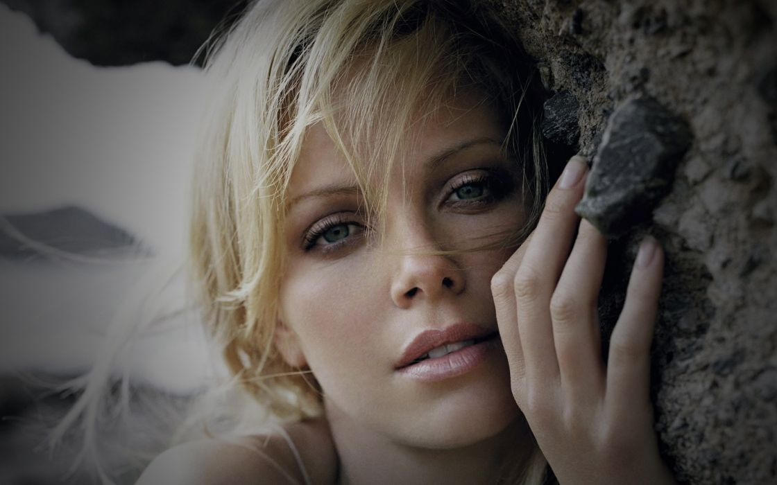 Blondes women actress charlize theron south african faces wallpaper
