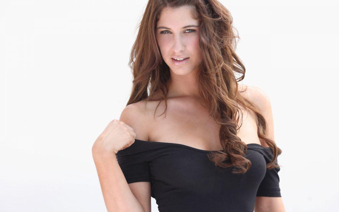 Bella Karina naked