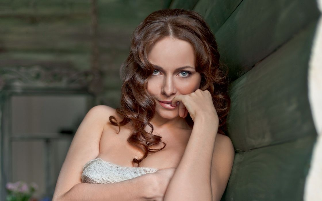 Brunettes women faces ekaterina guseva russians wallpaper