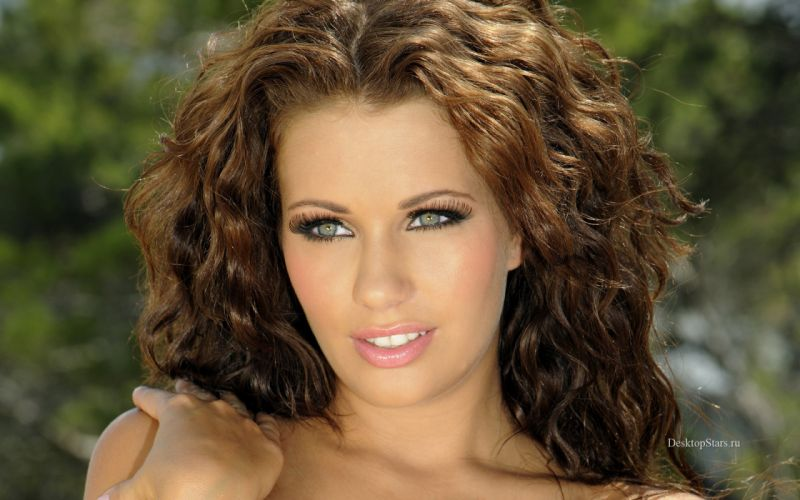 Brunettes women holly peers faces wallpaper