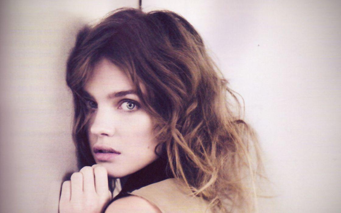 Brunettes women models natalia vodianova bright faces wallpaper