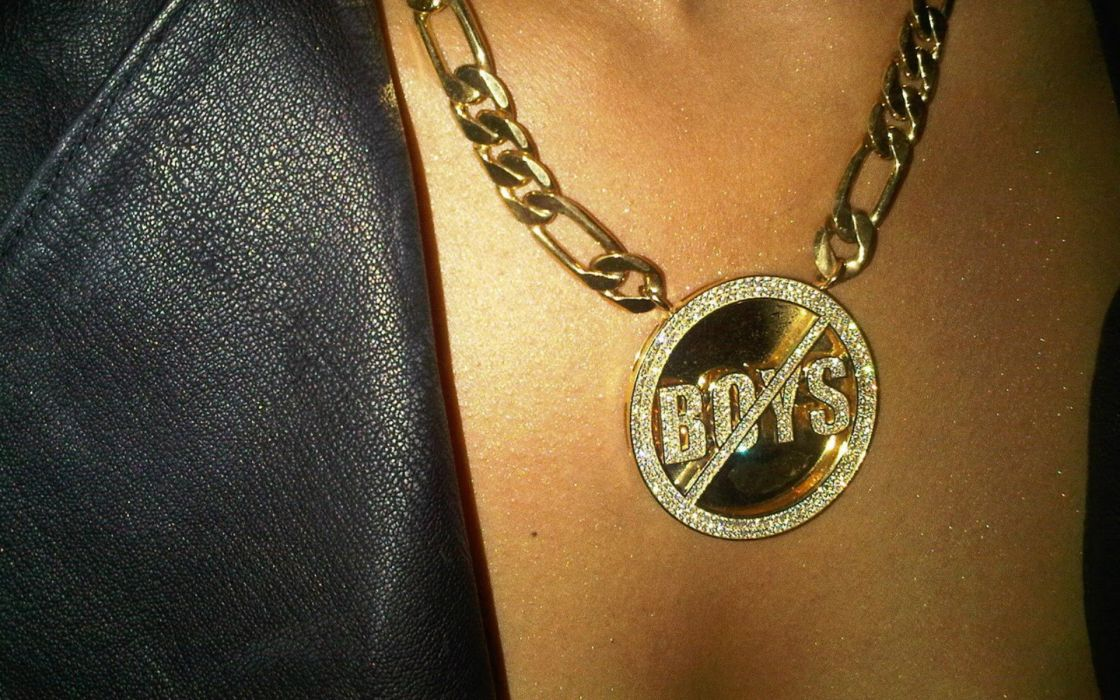 Women cleavage necklaces wallpaper