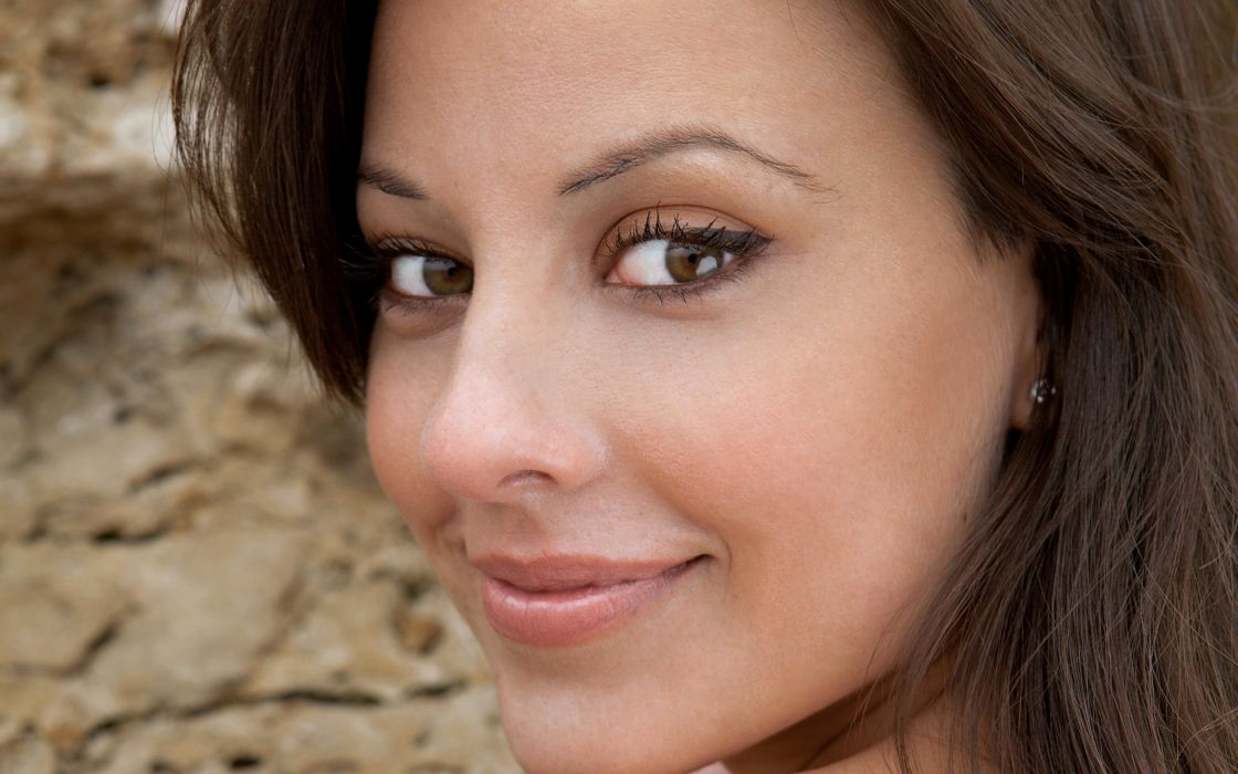Brunettes women long hair brown eyes earrings lorena garcia faces wallpaper