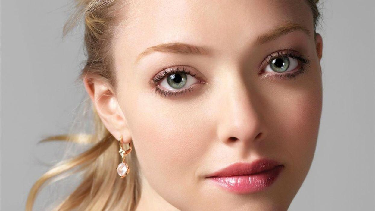 Blondes women eyes actress amanda seyfried wallpaper