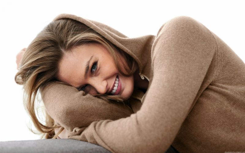 Blondes women models bar refaeli smiling hoodie white background wallpaper