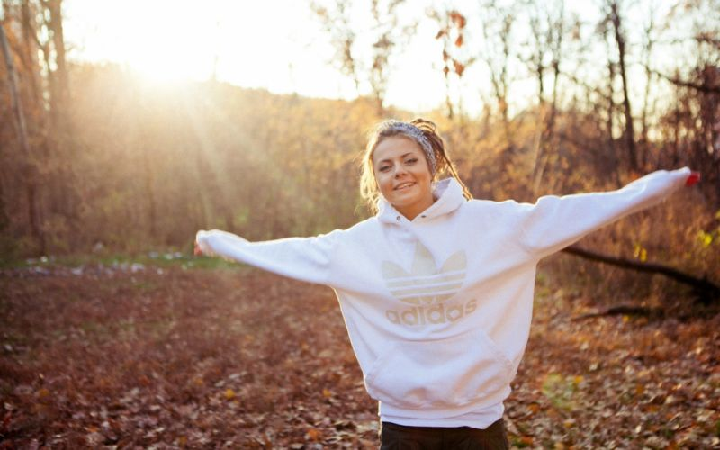 Blondes women sunset nature hoodie faces wallpaper