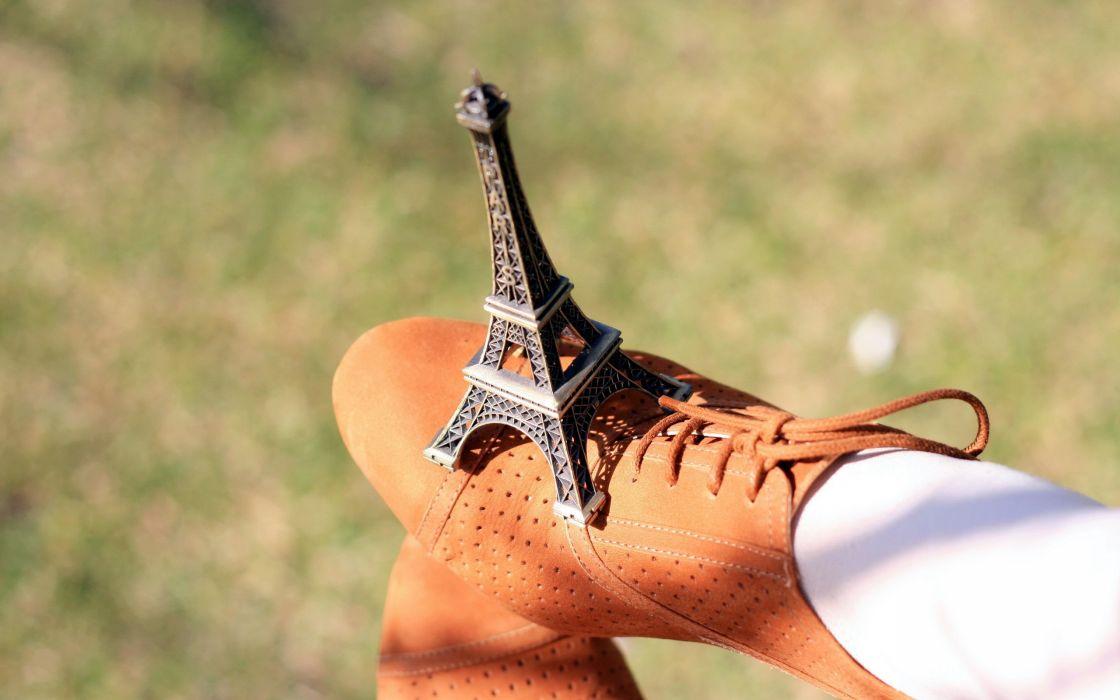 Eiffel tower paris minimalistic wallpaper