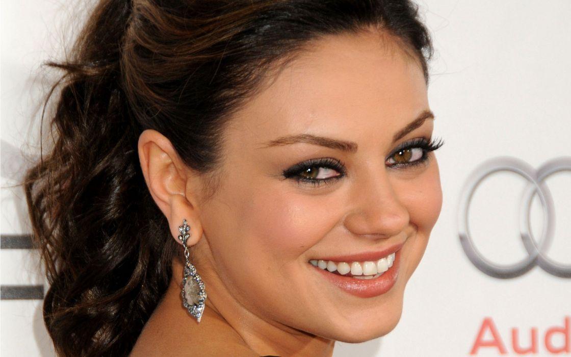 Brunettes women mila kunis actress celebrity smiling wallpaper