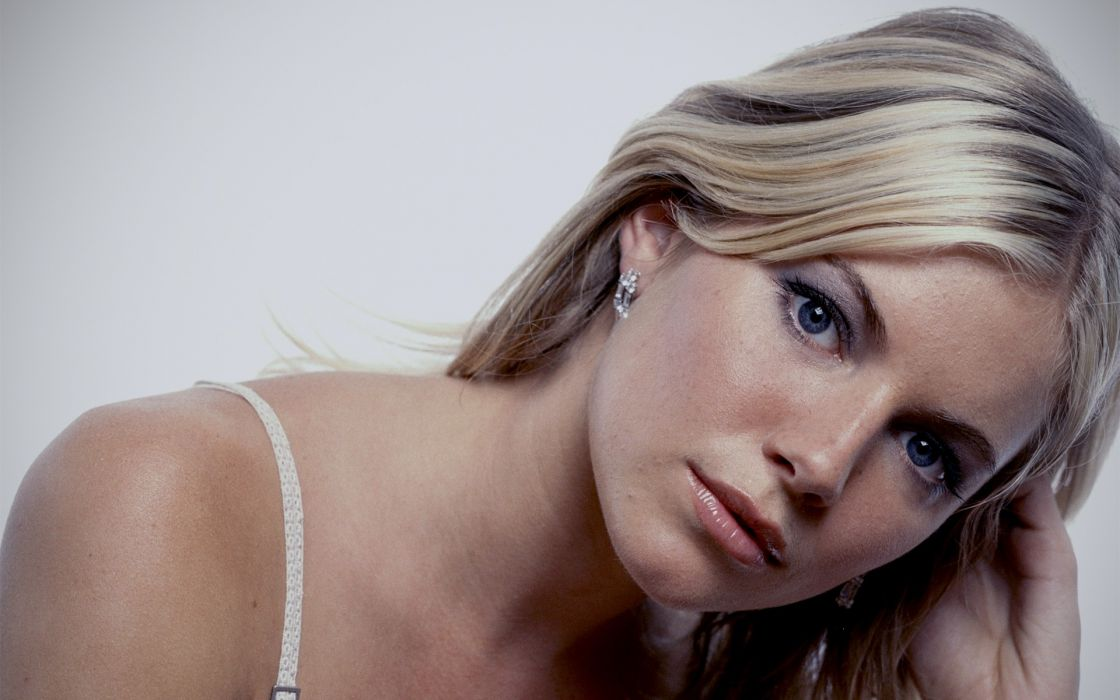 Up actress bra models sienna miller faces wallpaper