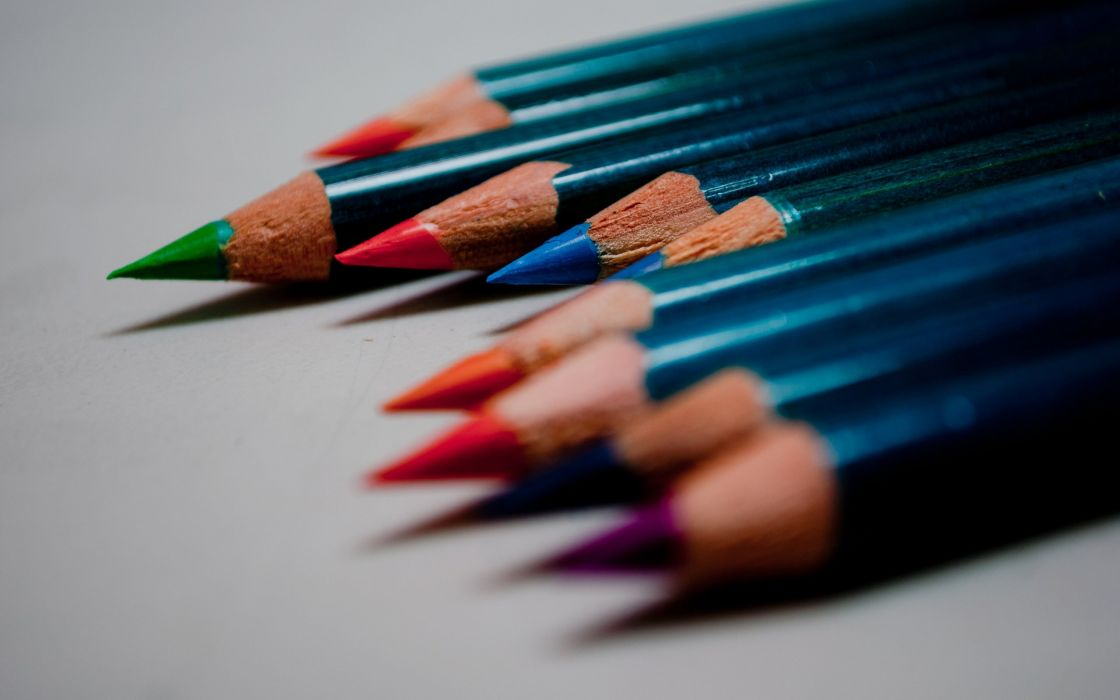 Crayons pencils wallpaper
