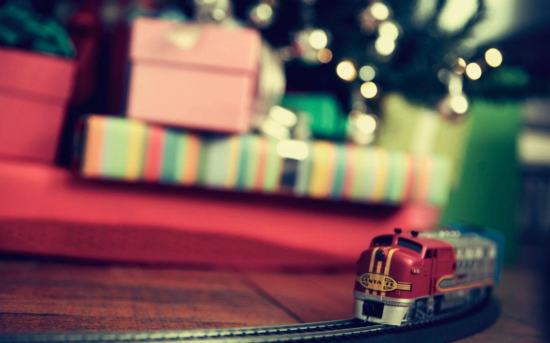 Trains present gifts wallpaper