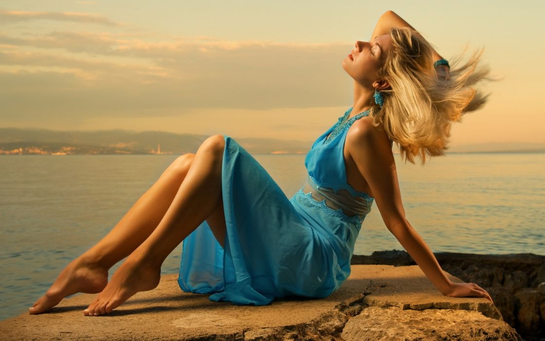 Blondes women blue dress wallpaper