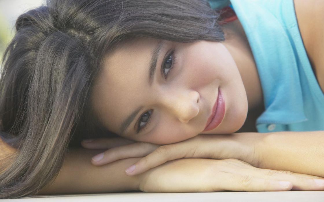 Women lips smiling lying down faces wallpaper