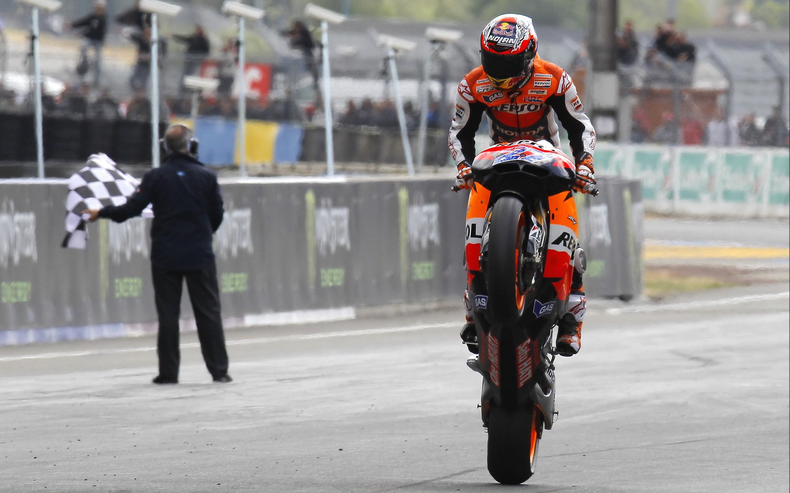 Moto gp motorbikes repsol casey stoner race tracks wallpaper | 2560x1600 | 17534 | WallpaperUP