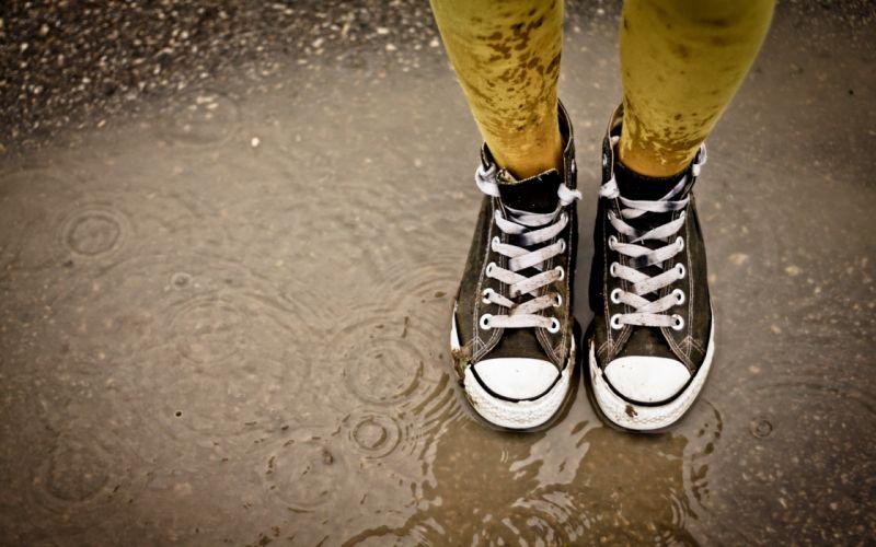 Legs rain shoes converse mud wallpaper