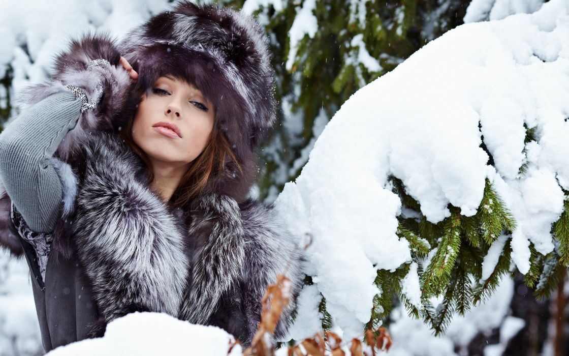 Women winter (season) snow models outdoors fur hats fur clothing wallpaper