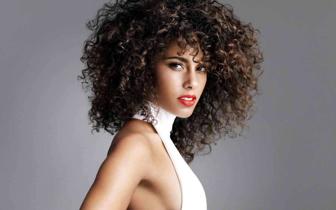 Women Celebrity Alicia Keys Singers Sideboobs Curly Hair White Dress Chest Gray Background Wallpaper