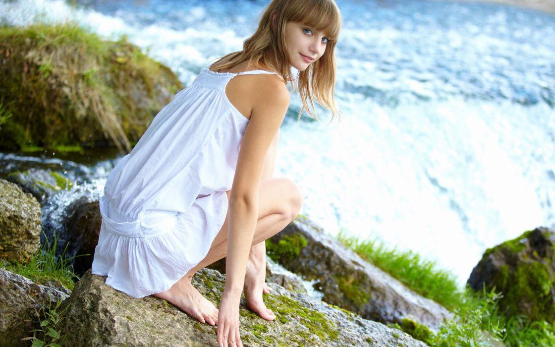 Women outdoors white dress wallpaper