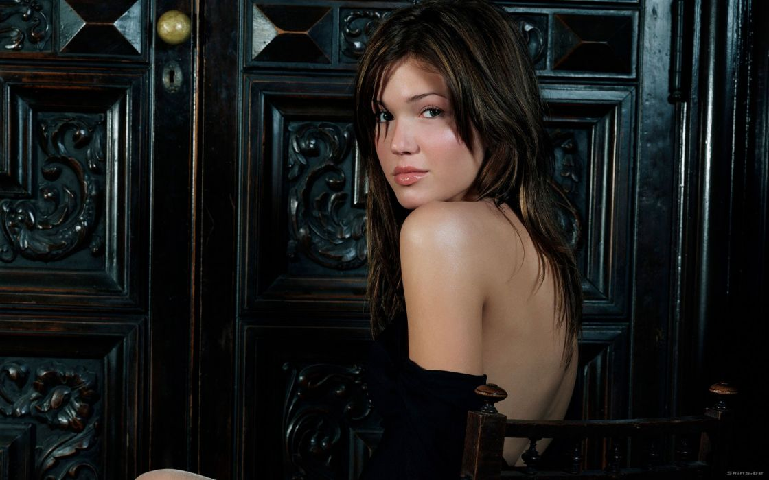 Brunettes women mandy moore back models long hair celebrity chairs sitting faces wallpaper