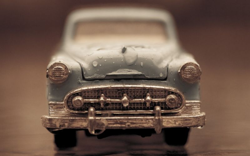 Cars toys (children) water drops macro objects wallpaper