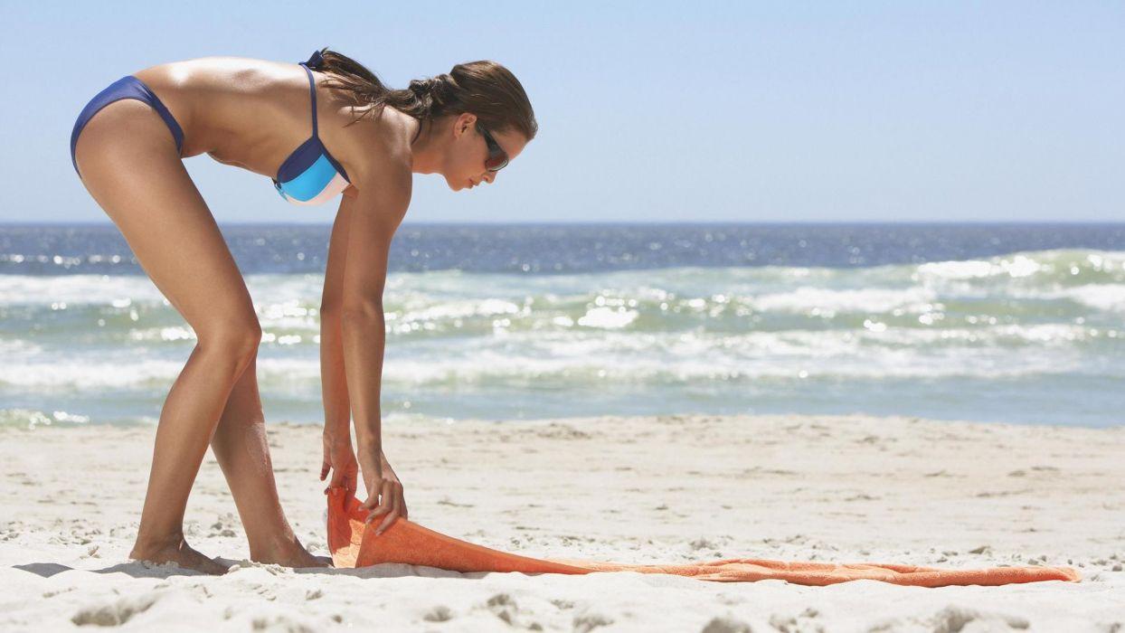 girls-beach wallpaper