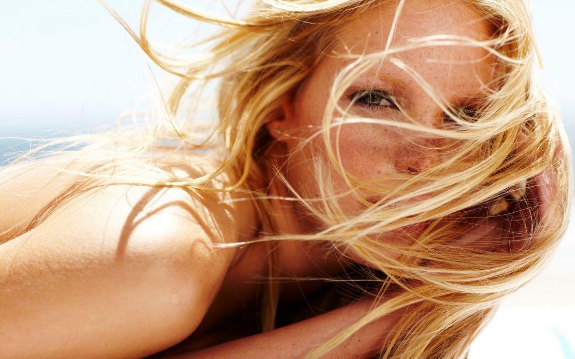 Blondes women freckles faces wallpaper
