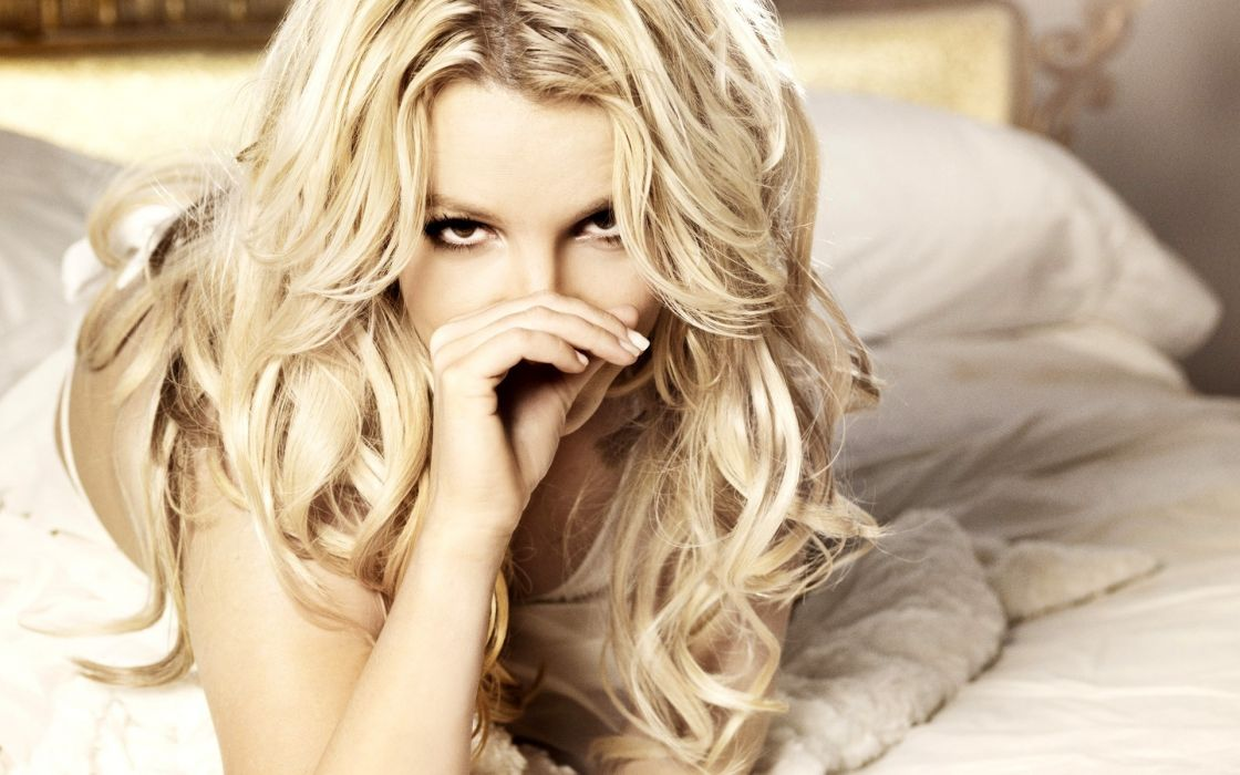 Blondes women beds britney spears long hair people curly hair wallpaper