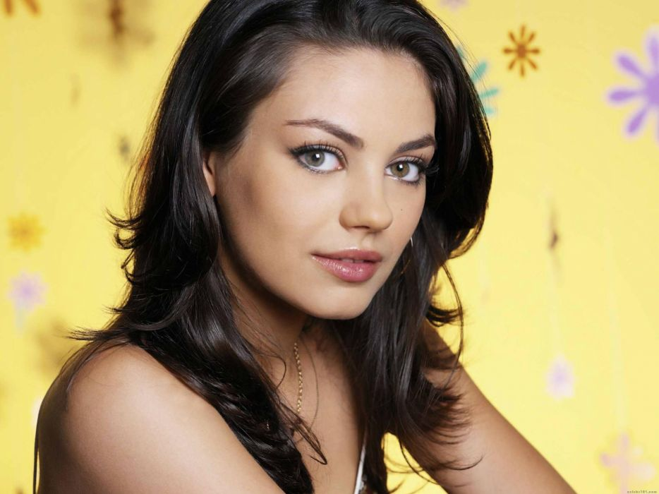 Women mila kunis actress heterochromia wallpaper