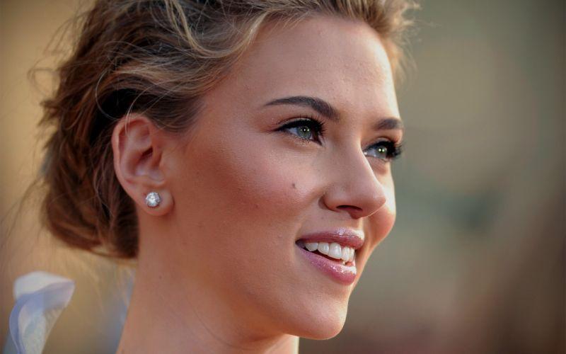 Up scarlett johansson actress celebrity smiling faces portraits wallpaper