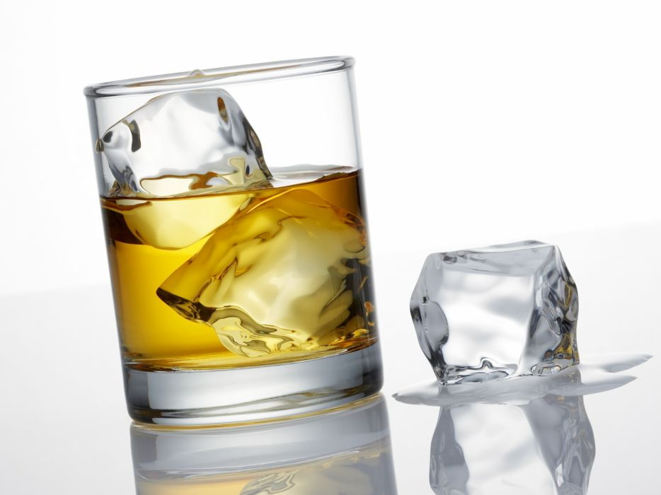 Whiskey ice cubes wallpaper