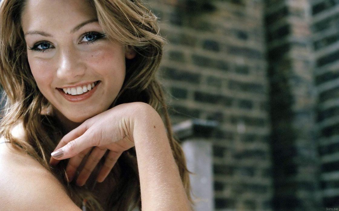 Women delta goodrem smiling wallpaper