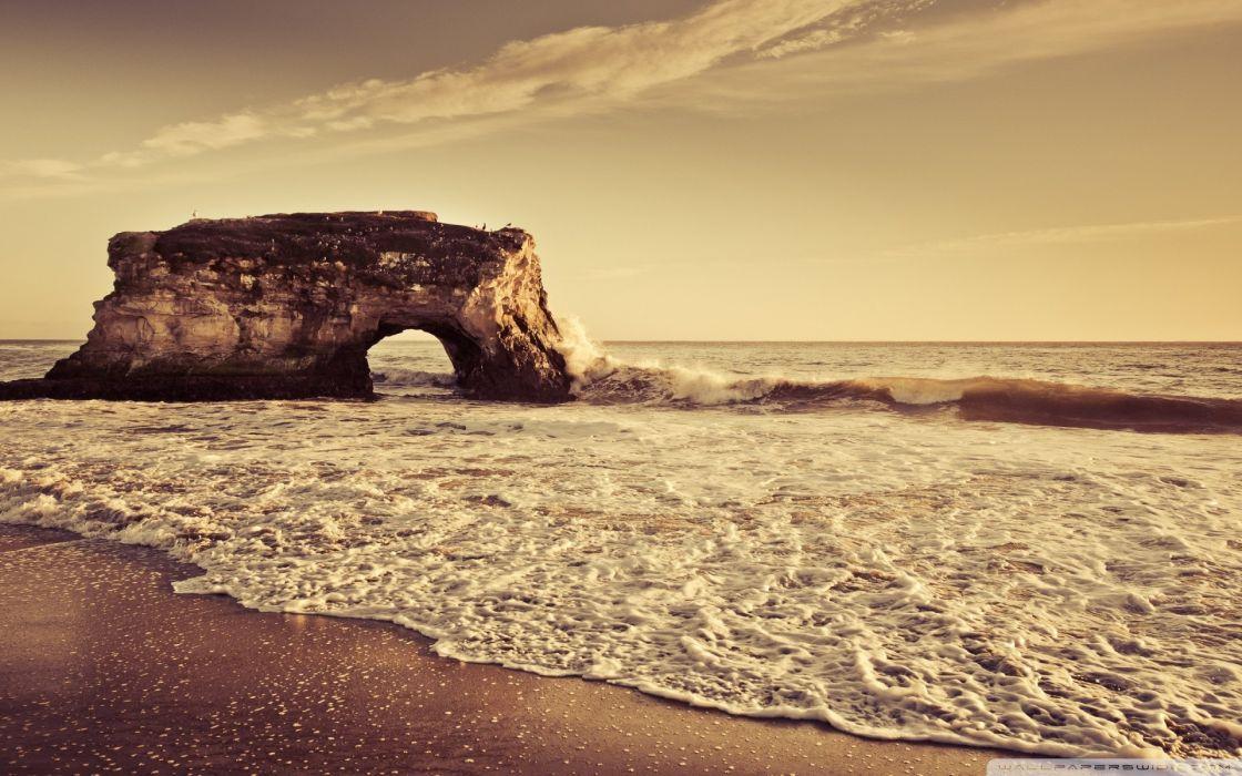 Beach arch wallpaper