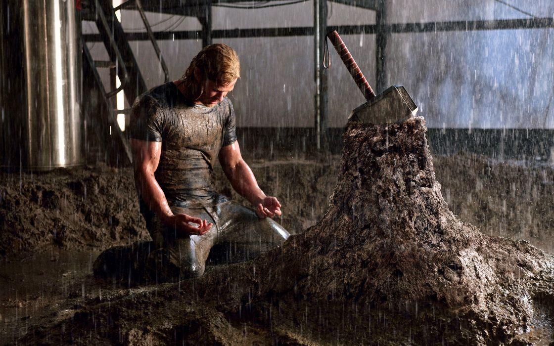 Rain Thor Men Mud Kneeling Chris Hemsworth Thor Movie Mjolnir