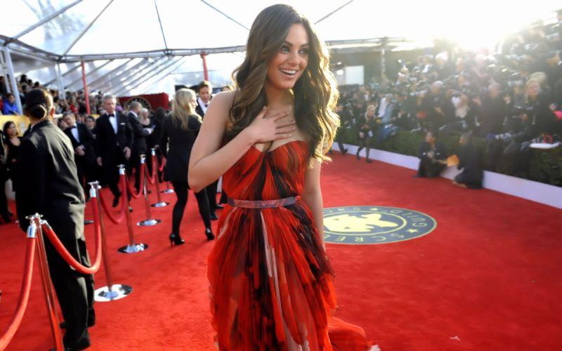 Brunettes women mila kunis celebrity red carpet red dress wallpaper