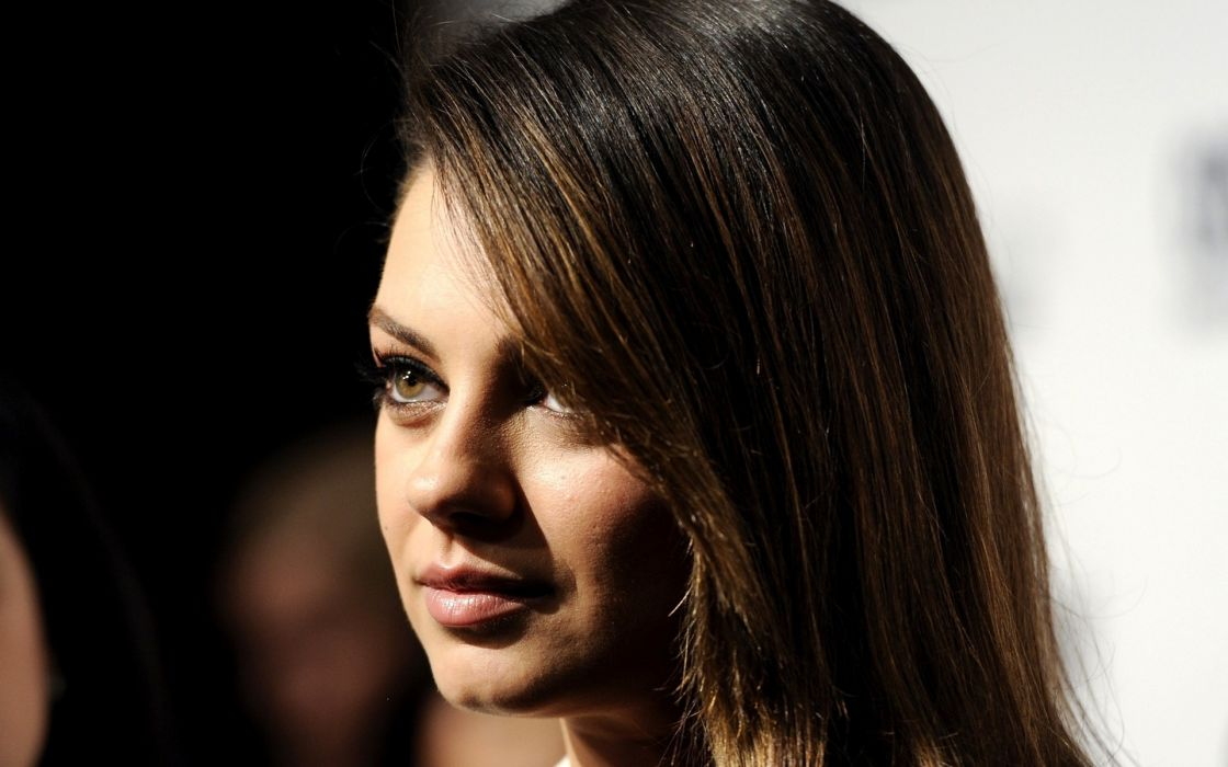 Brunettes women mila kunis actress celebrity faces wallpaper