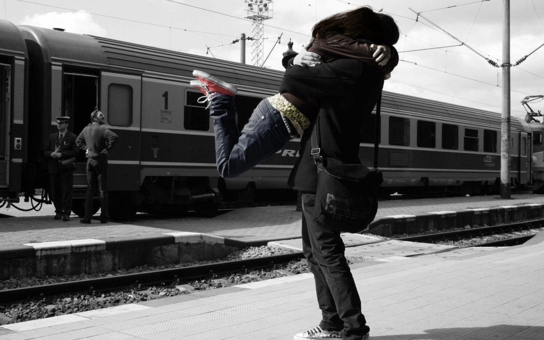 Train stations monochrome lovers hugging wallpaper
