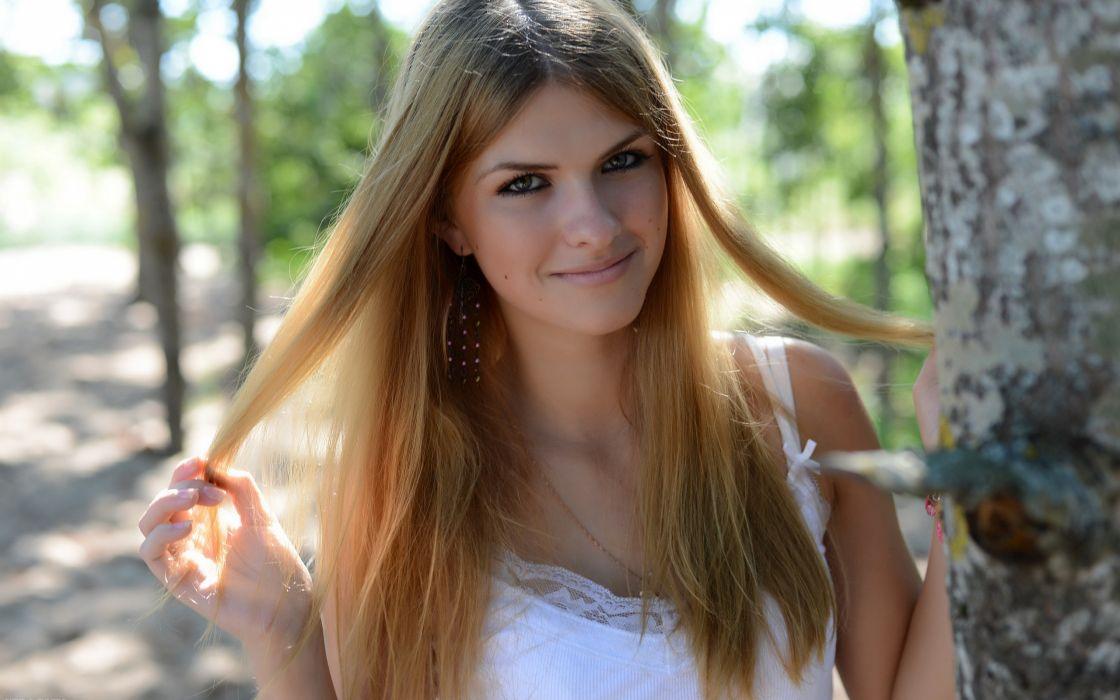 Blondes women models outdoors show beauty magazine dana wallpaper