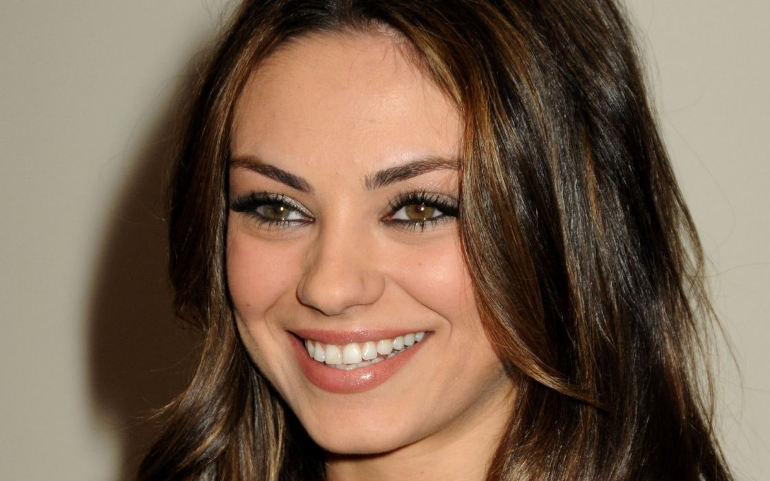 Brunettes women mila kunis actress wallpaper