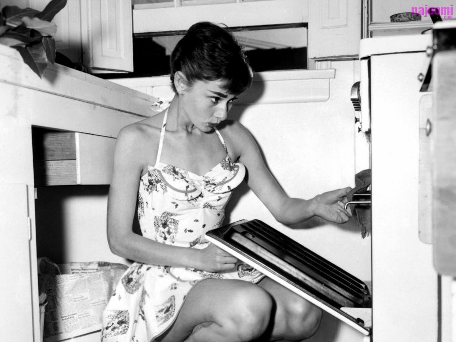 Audrey hepburn monochrome newspapers greyscale oven wallpaper