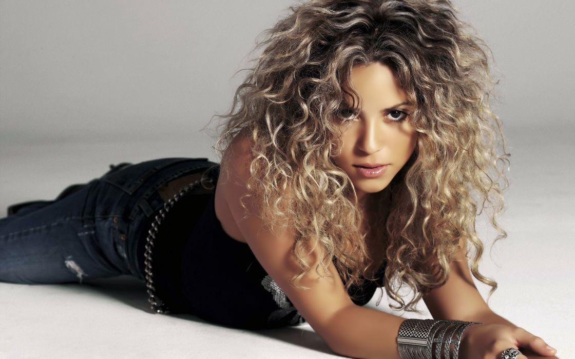 Shakira singers wallpaper