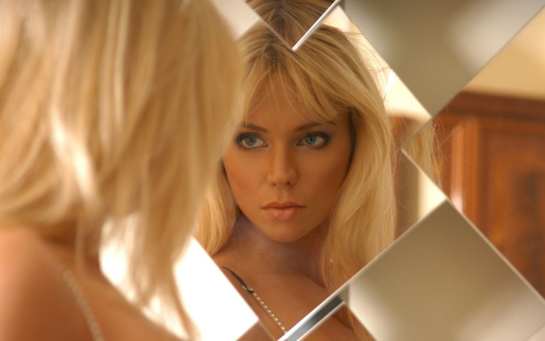Blondes women models pamela faces wallpaper