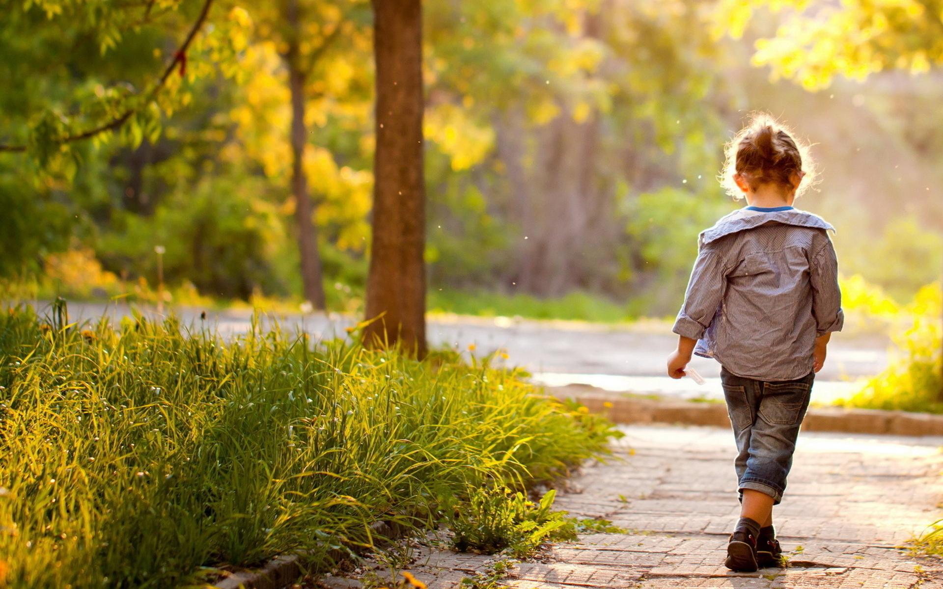 People Children Cute Trees Pathways Sidewalks Wallpaper