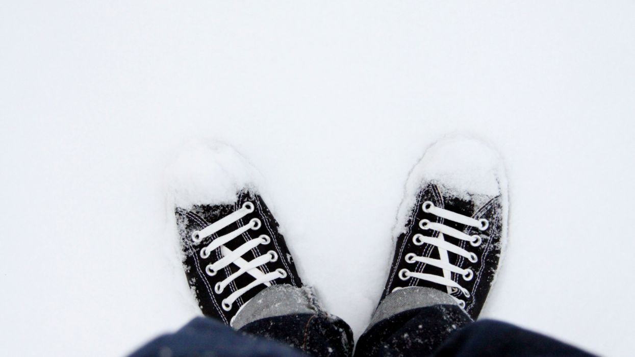 people sneakers shoes winter snow seasonal converse products wallpaper