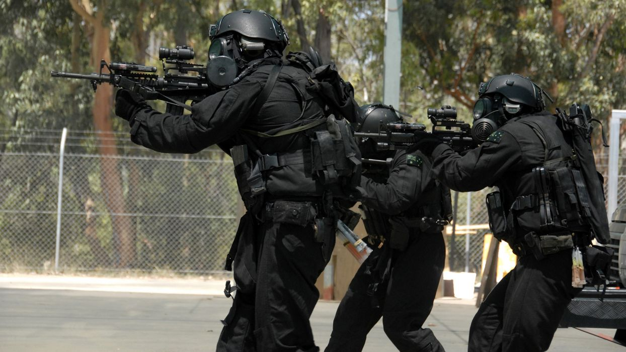 military soldiers people weapons guns rifles wallpaper