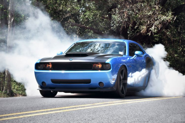 dodge challenger burnout smoke muscle-cars wallpaper